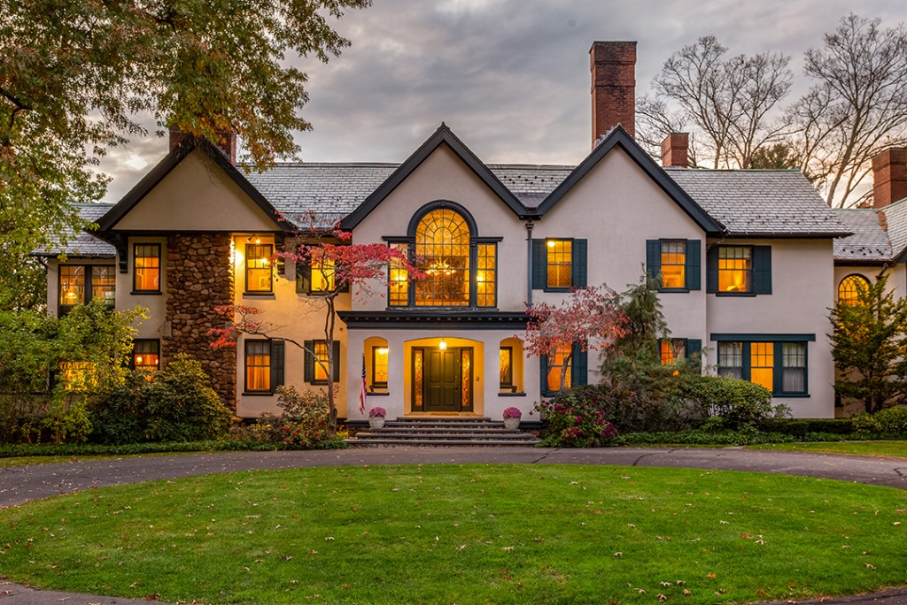 Renovated Tudor In Farmington Ct Is A Golfers Dream Asking 3 9m