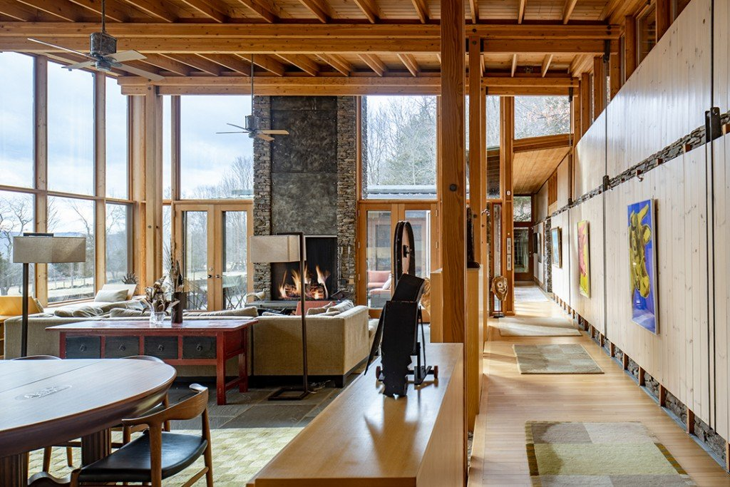 Author Susan Orlean Lists Contemporary Glass Beauty In Hudson Valley Living Room