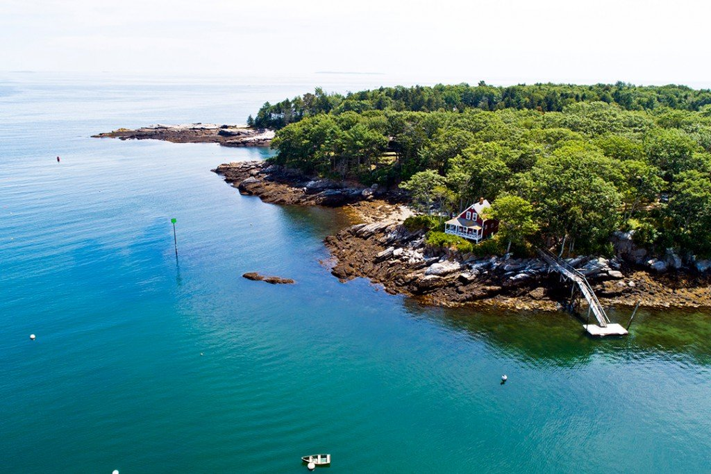 Set Of Seaside Cottages In Maine Offers A Peaceful Retreat For 2 1m Aerial