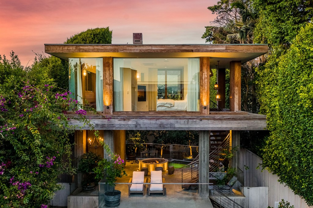 Pamela Andersons Longtime Malibu Home Lists For 14 9m Pool House