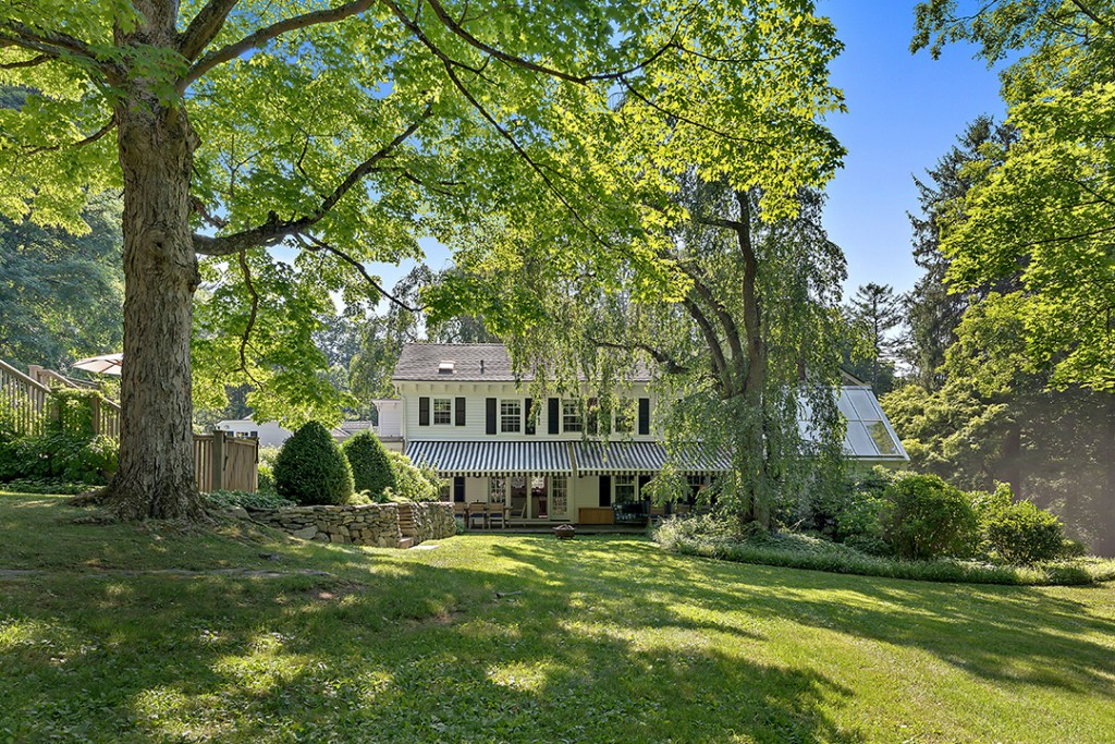 Actor Hank Azarias Charming Estate In Bedford Corners Wants 3 25m House View