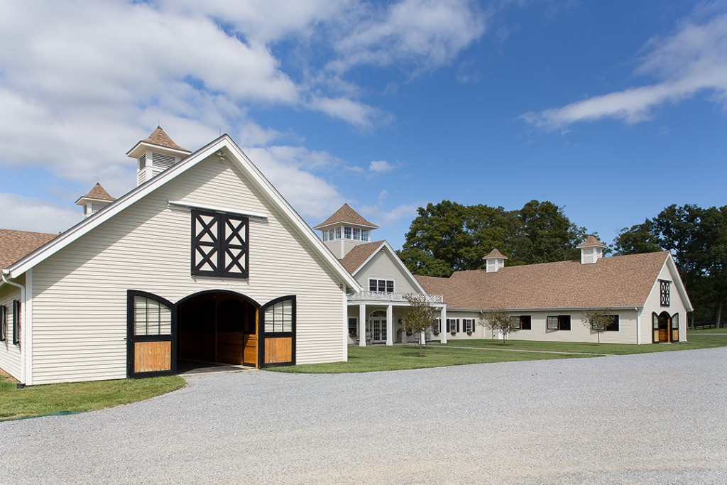 Mary Tyler Moore Former New York Equestrian Estate Lists For 4m Barn C