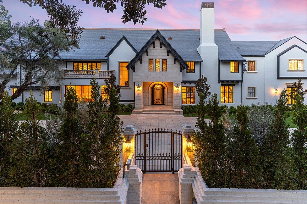 Palatial Beverly Hills Flats Home Once Owned By Edward G Robinson Asks 22m Exterior
