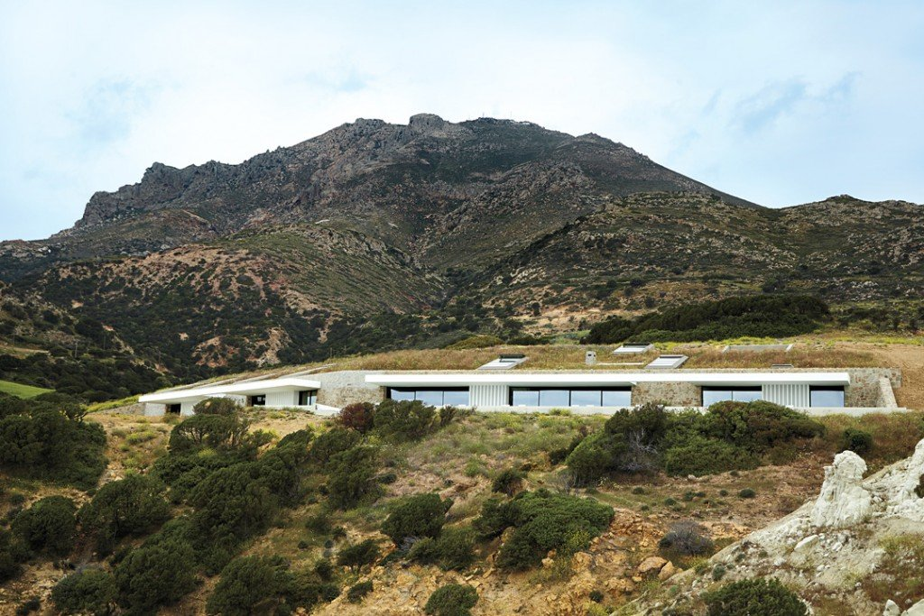 An Exquisite Bioclimatic Home On The Island Of Milos
