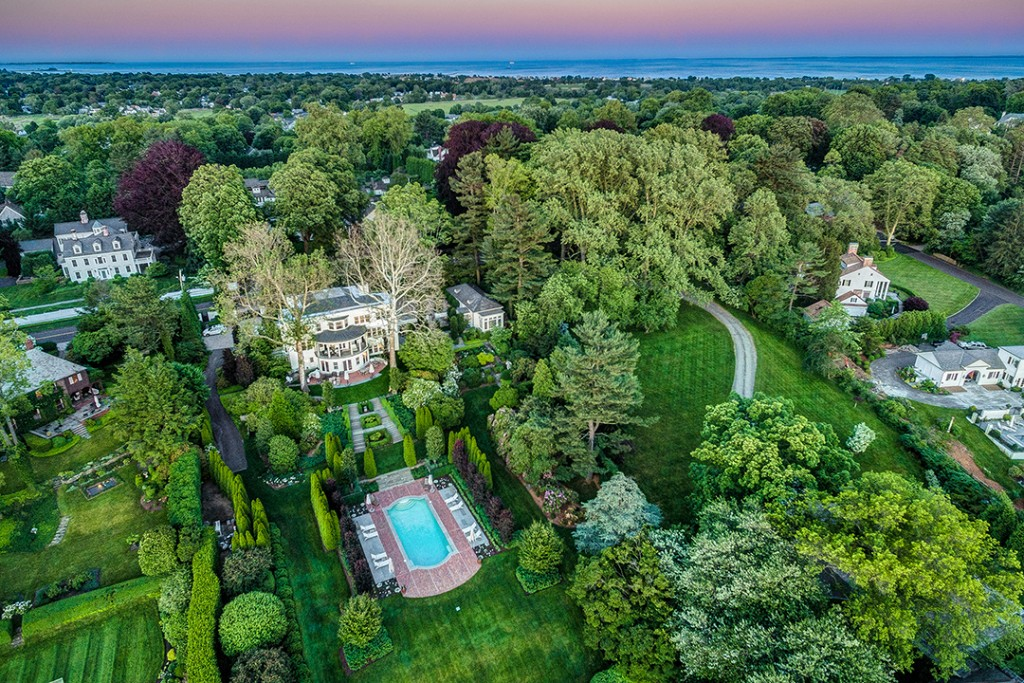 Idyllic Waterfront Estate With Design Prestige Lists In Southport Southport Aerial