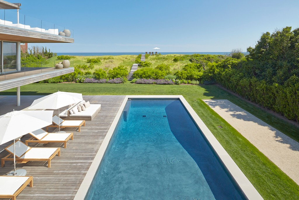 All About Hamptons Landscape Design And Trends With Groundworks Linda Silich Credit Charles Mayer Water View