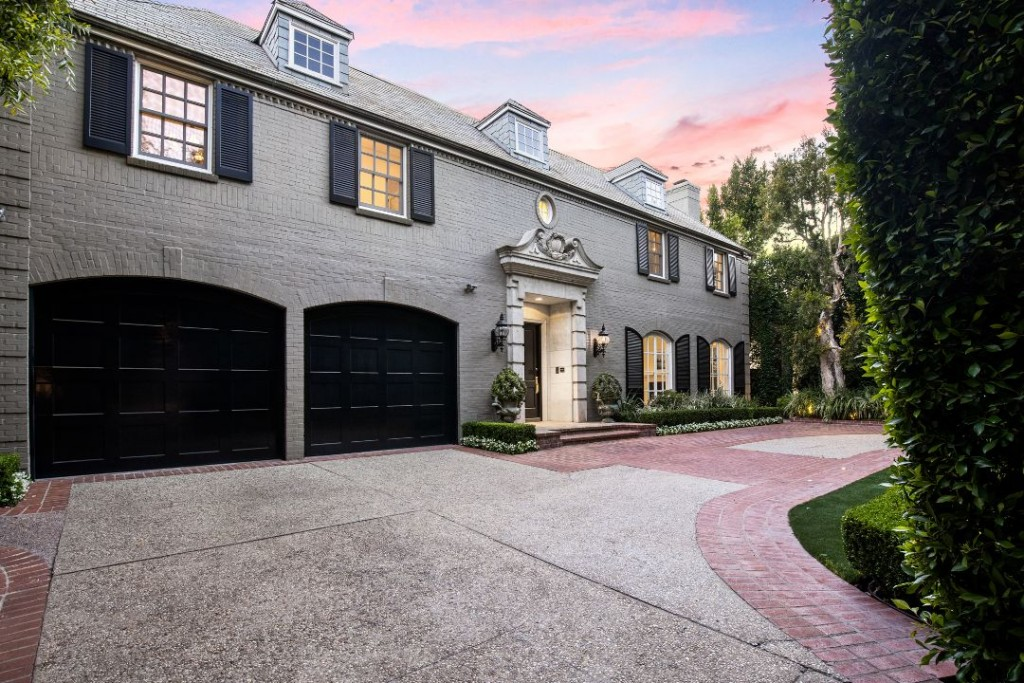 Louise Taper 617 North Rodeo Drive Front