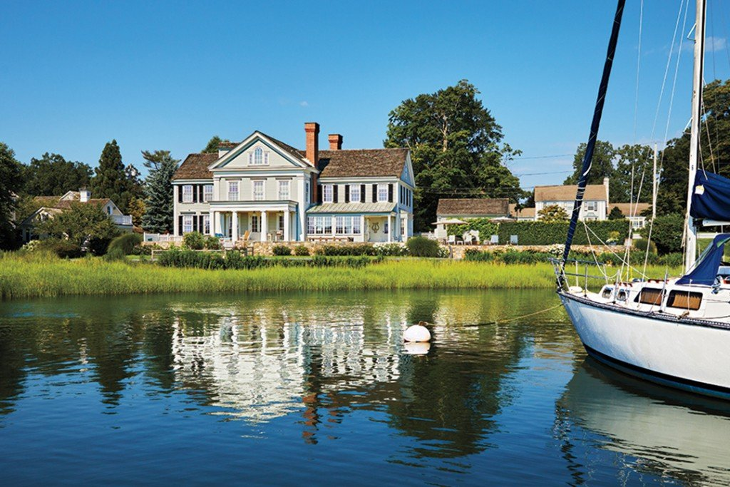 A Coastal Connecticut Home Highlights The Waterfront View With Incredible Outdoor Spaces