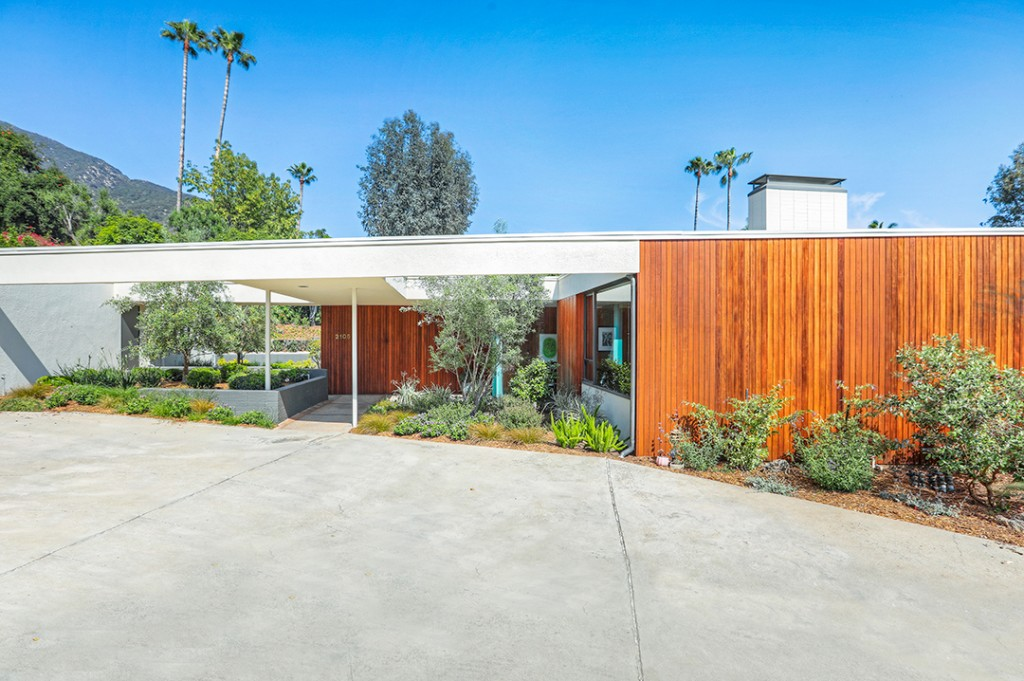 Writer And Producer For Toxic By Britney Spears Is Selling His Pasadena Pad