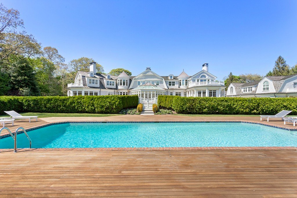 Explore A 16 5m Hamptons Mansion Decked Out For Summer Fun Pool