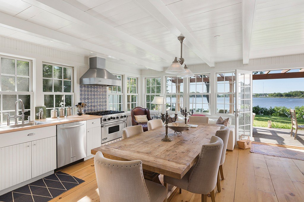 Luann De Lesseps Sag Harbor Home Is Available To Rent For The Summer Kitchen
