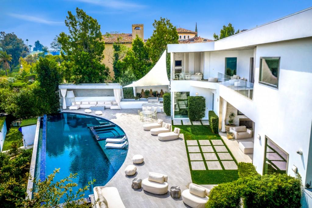Victorias Secret Jeweler Bel Air Mansion Poolside