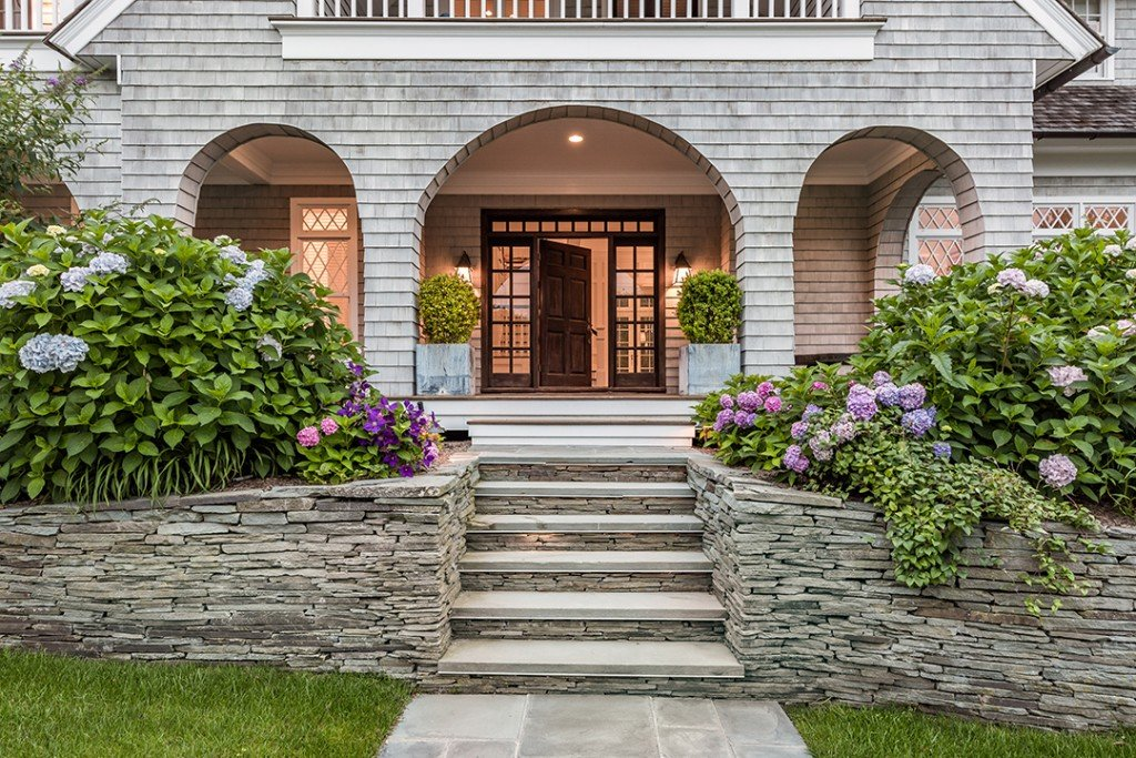 The East Ends Top Agents Weigh In On The State Of The Hamptons Market 24 2 Mile Harbor Rd Eh 15