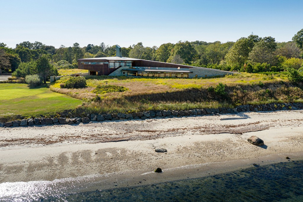 World Renowned Architect William Pedersens Shelter Island Home Asks 7m Exterior