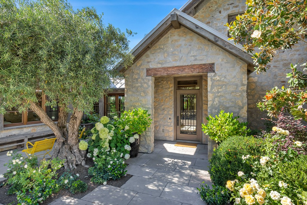 Inside Scoop A Rustic And Modern Sonoma County Compound Is For Sale Off Market A