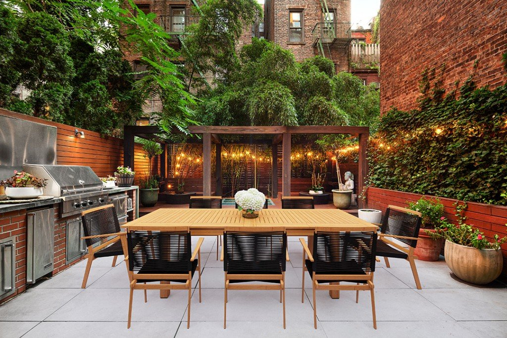 Greenwich Village Townhouse Travis Scott Recently Rented Asks 26 5m Garden