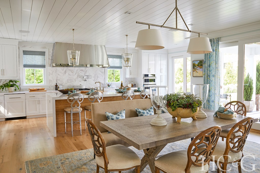 The Story Of The 2021 Hamptons Designer Showhouses Impeccable Kitchen Hcg 2021 Garykate Breakfastkitchen