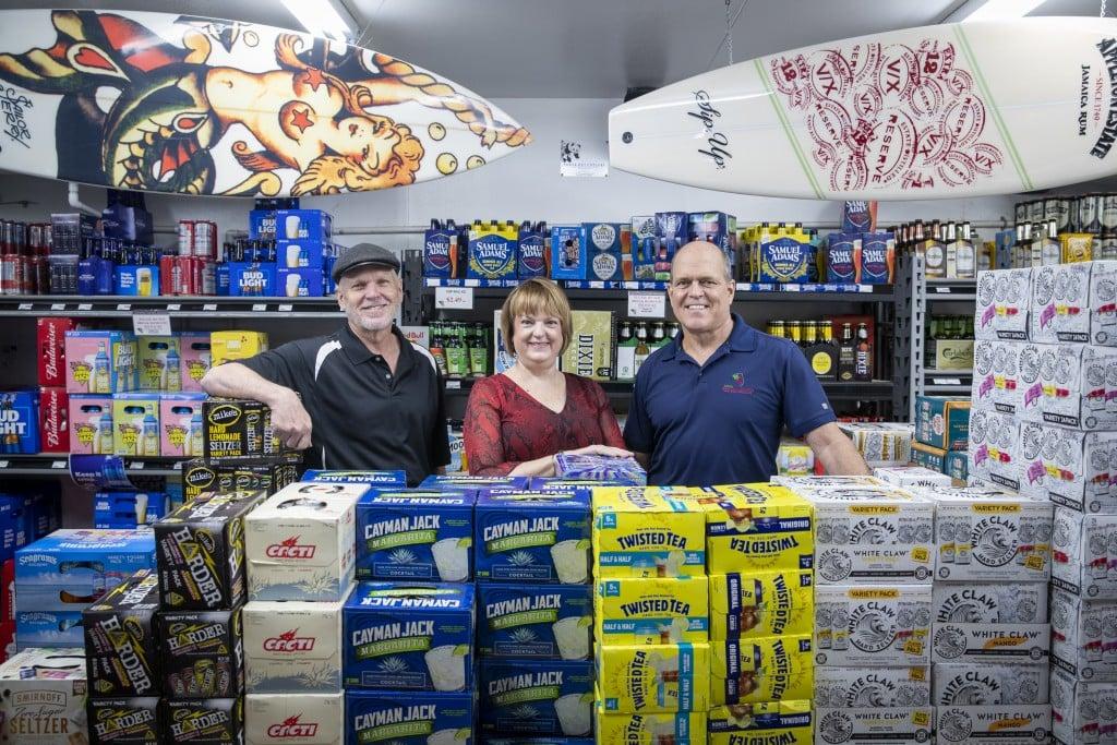 007 042121 Kelleys Beach Liquors