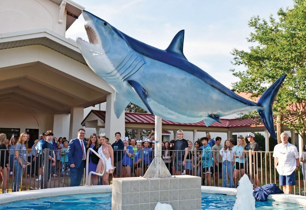 Dhs Mako Shark Dedication Photo By Kay Phelan Ccsz