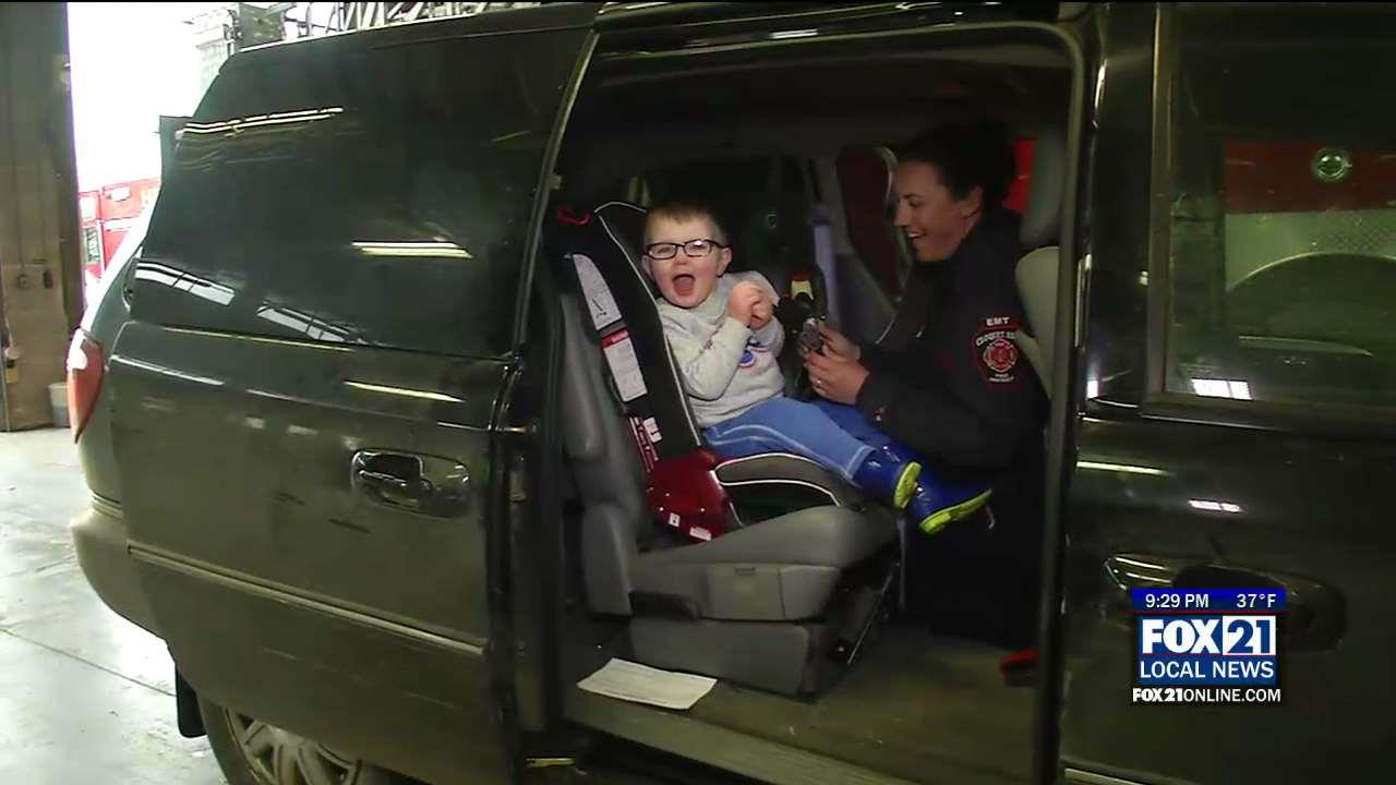 cloquet fire dept offers free car seat clinics fox21online. Black Bedroom Furniture Sets. Home Design Ideas