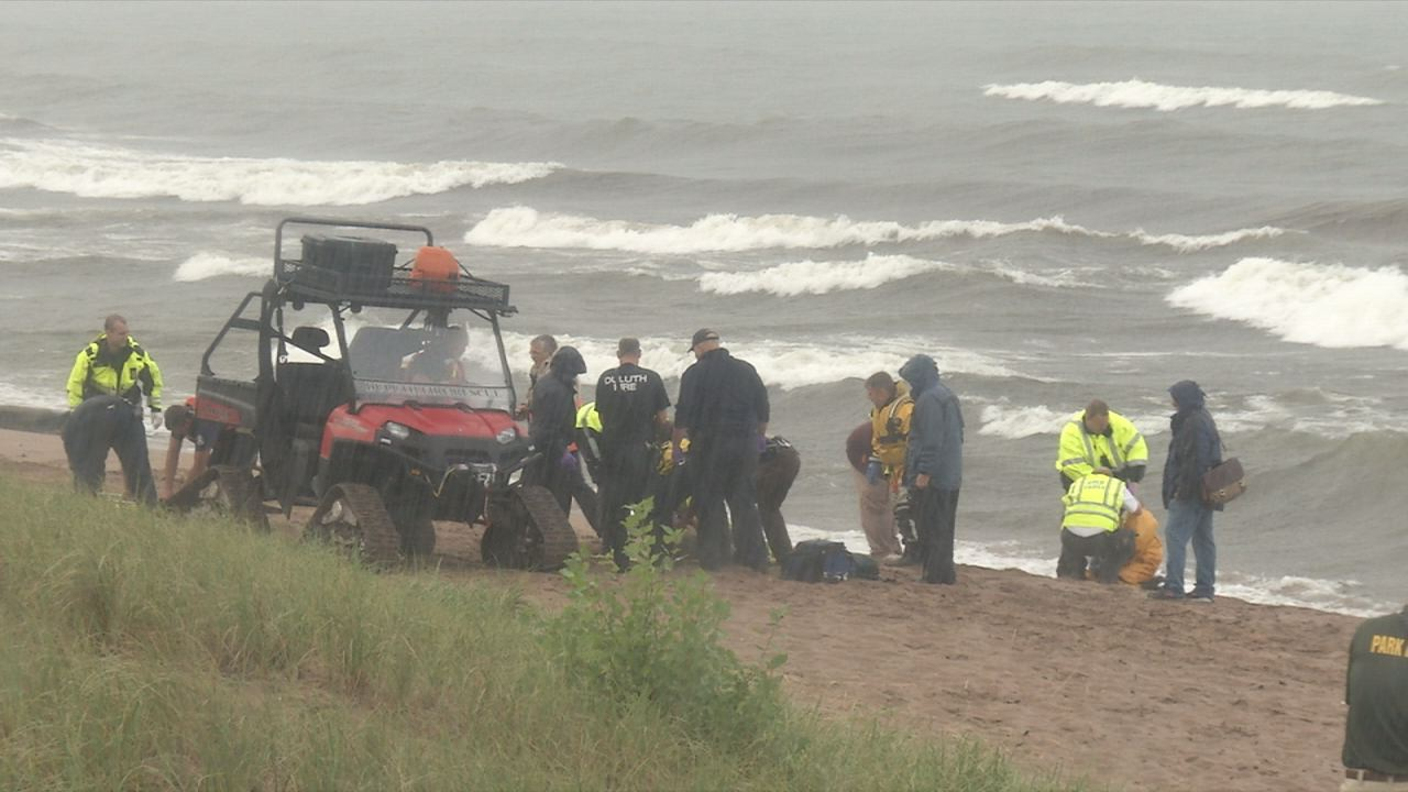 2 swimmers die despite intense rescue effort at Duluth's Park Point