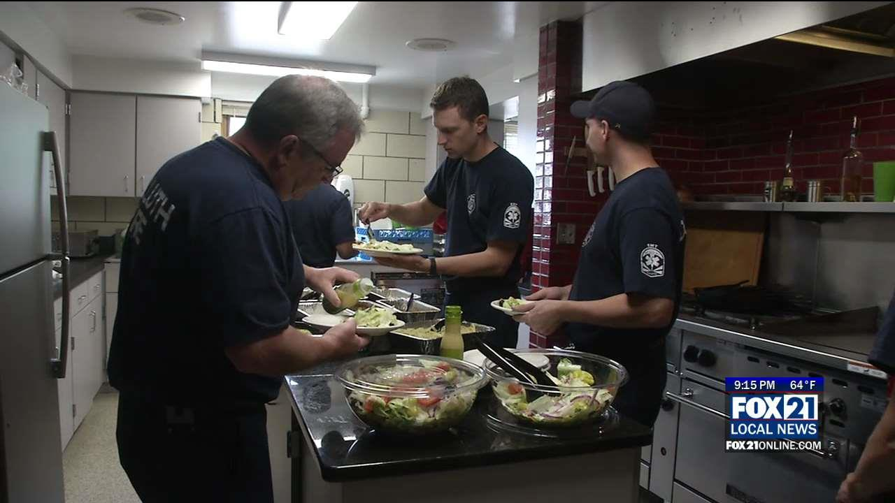 olive garden thanks first responders on labor day fox21online - Olive Garden Duluth Mn