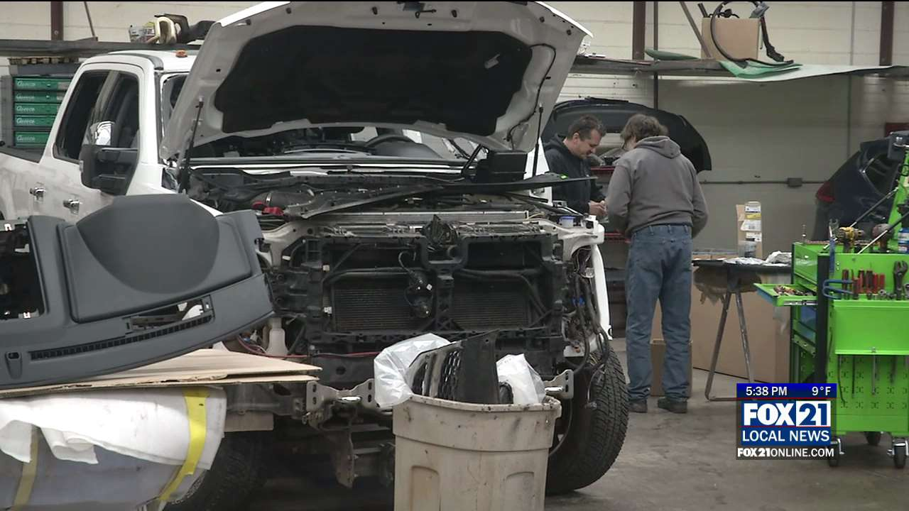 Local Body Shops >> Inclement Weather Keeping Auto Body Shops Busy Fox21online