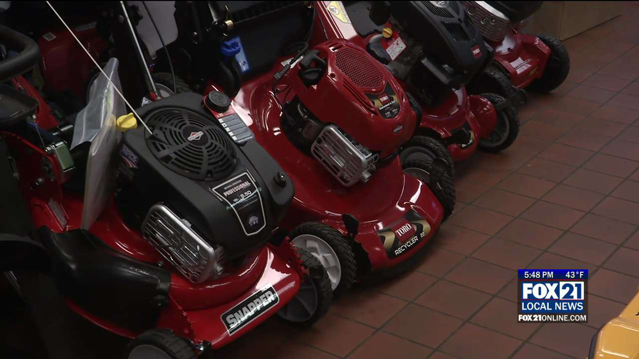 Law Mower Repair Shops In Duluth Busy Fixing Problems
