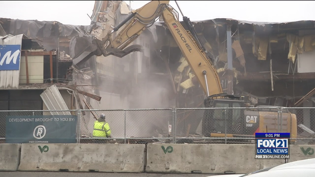 Lincoln Park Flats Project Begins With Demolition Of Old Furniture Store - FOX 21 Online