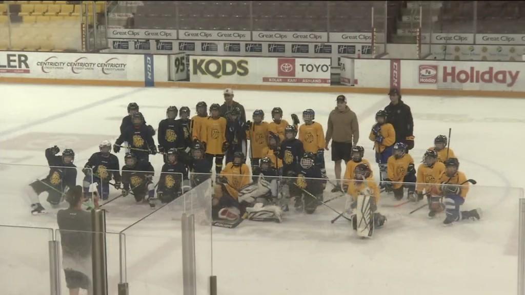 Bulldog Hockey Camp