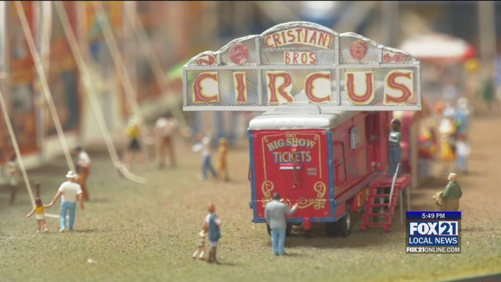 Tiny Circus