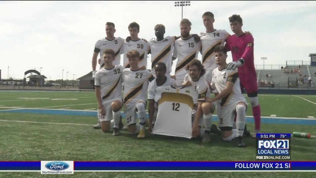 Uws Men's Soccer