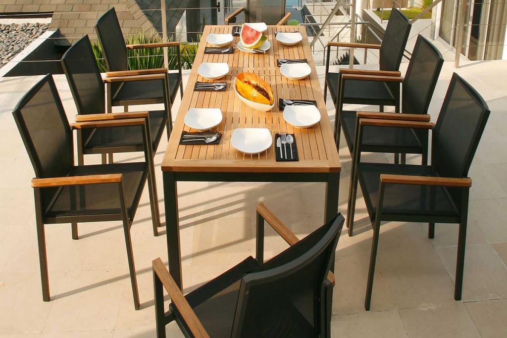 3 Backyard Dining