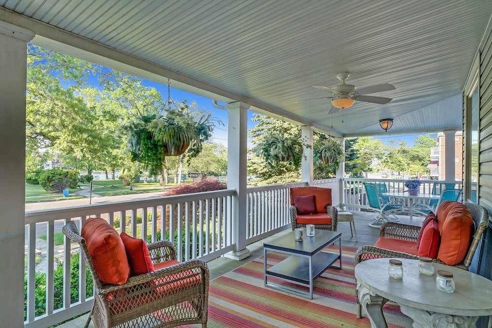 Lakeviewporch V1 Current