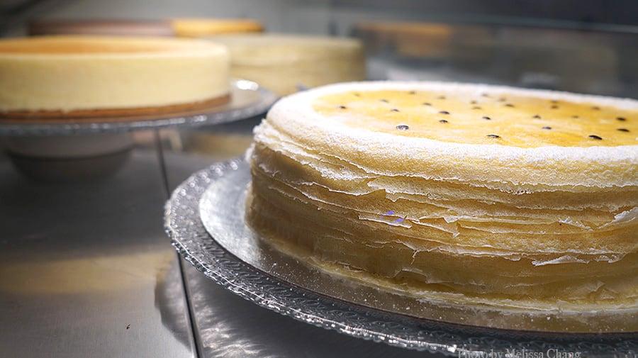 whole lilikoi cake