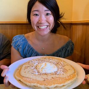 Yurkika Shigemoto with pancakes