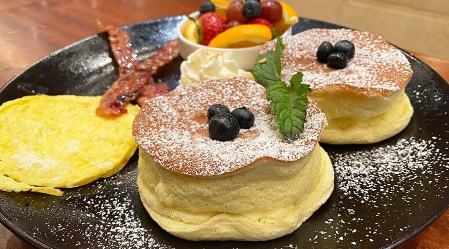 Goma Tei soufflé pancakes