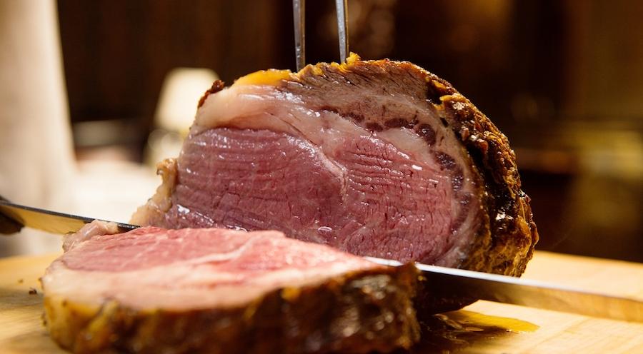 hy's-steak-house-Prime-Rib-Carving-Station