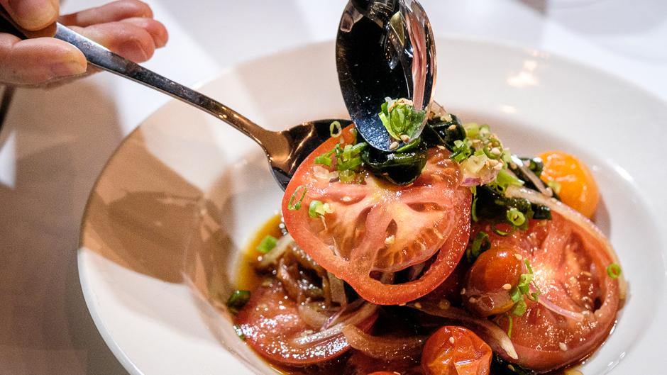 tomato and seaweed salad