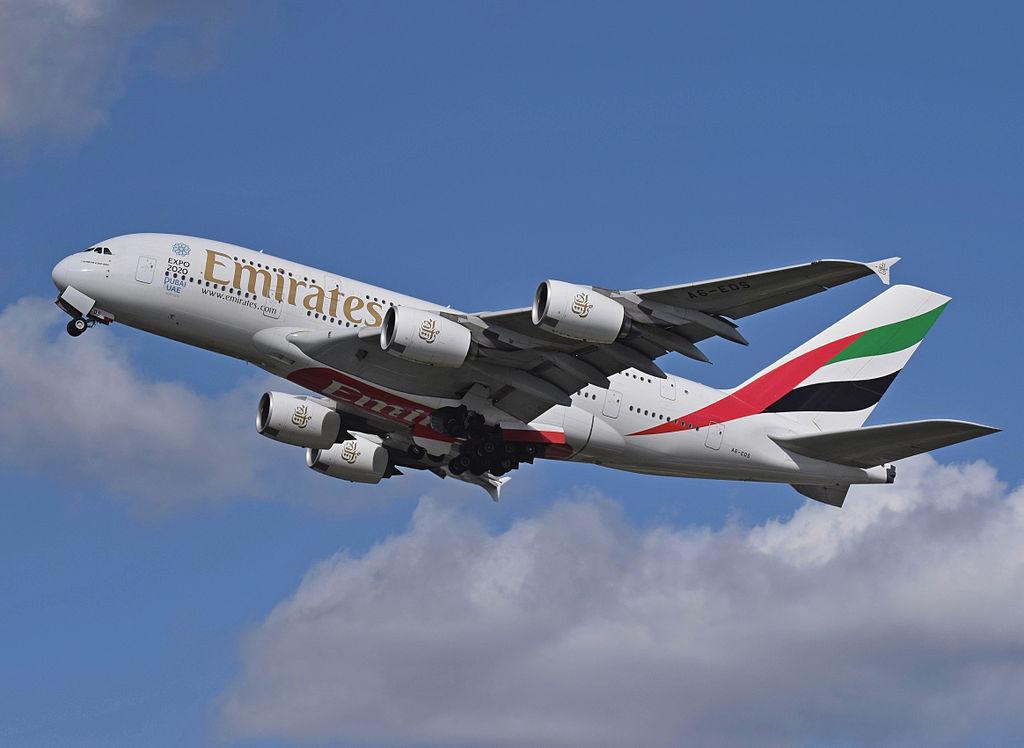 Emirates_Airbus_A380_A6-EDS_departs_London_Heathrow_11April2015