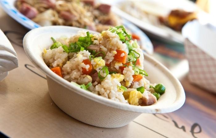 hula-grill-spam-fried-rice-e1429928204555