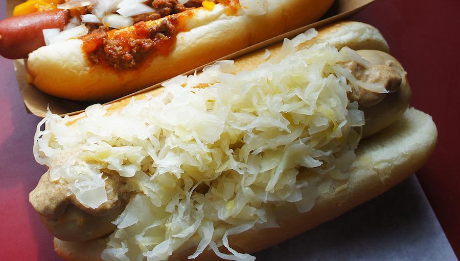 hanks bratwurst dog