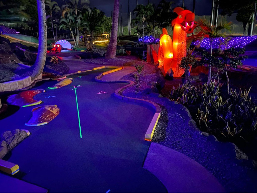 Haunted Glow Putt Photo Family Haunt Hawaii