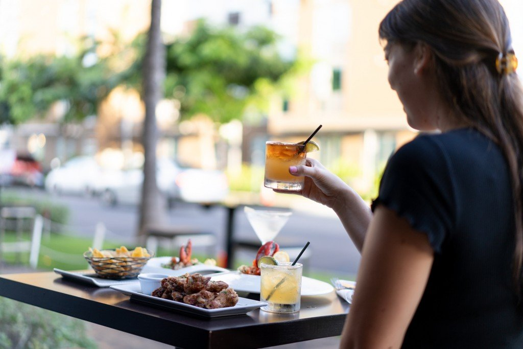 Yayas Chophouse Seafood Happy Hour Outdoor