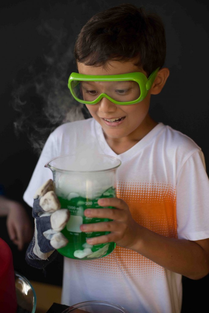 Make It Science Party Dry Ice Holding Beaker Photo Karen Db Photography