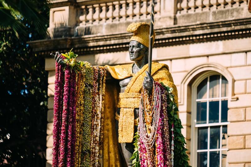 2018 King Kamehameha Lei Draping