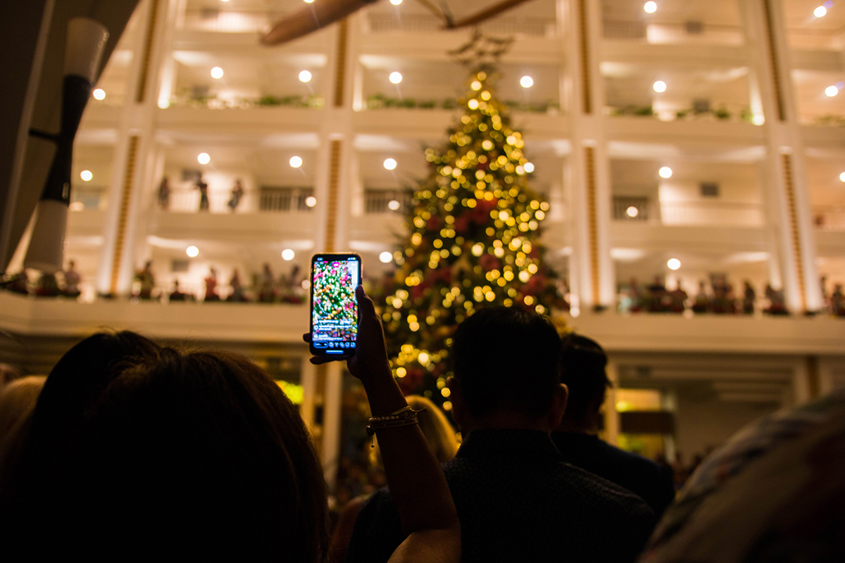 Four Seasons Resort Oahu Tree Lighting Ceremony 2019