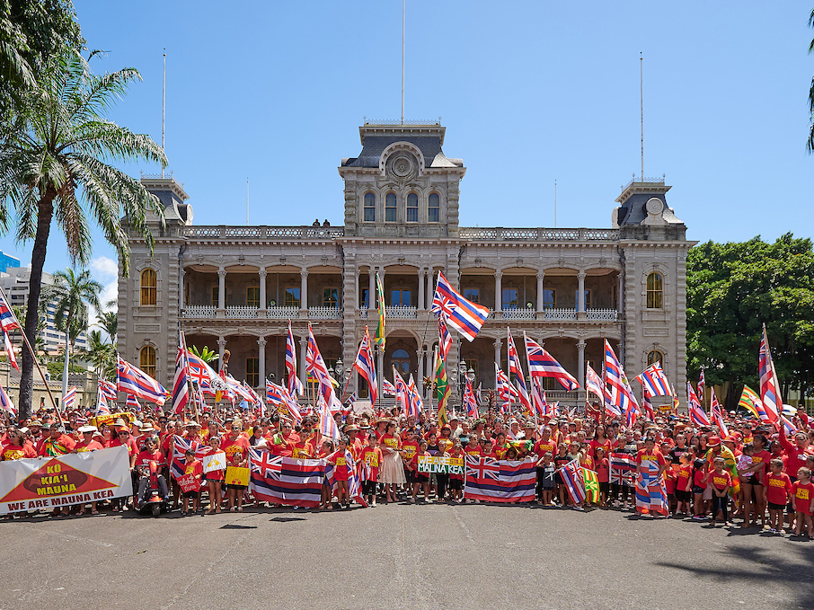 Photos Singing Their Stance About Mauna Kea On Sunday In Honolulu Cover