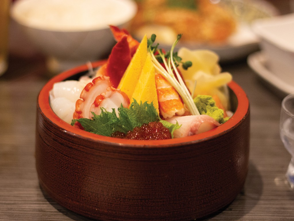 Find Old School Haunts And New Grinds On Honolulus King Street Past University Avenue Chirashi