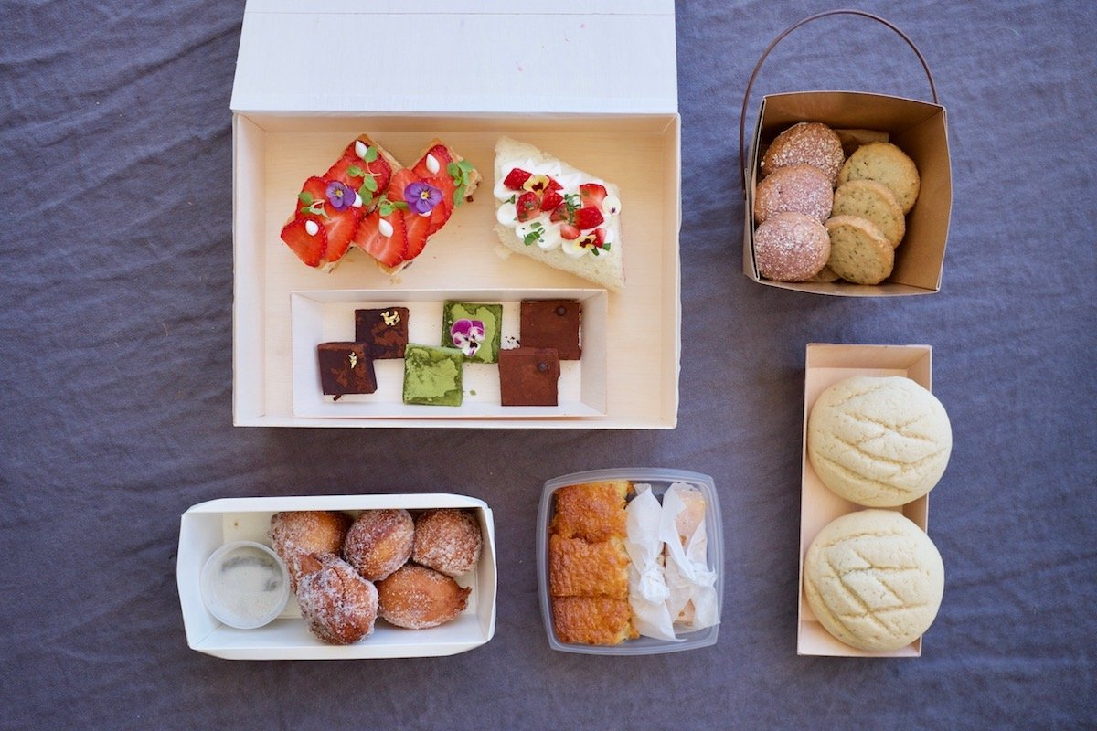 MW pastry boxes